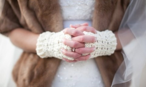 awesome-winter-wedding-gloves-and-mittens-to-die-for-10