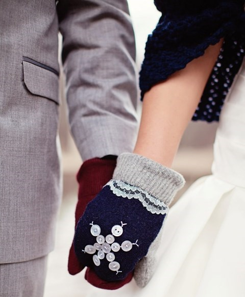 awesome-winter-wedding-gloves-and-mittens-to-die-for-14