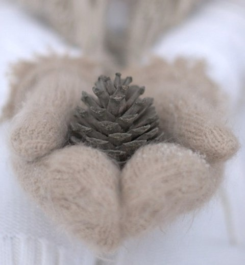 awesome-winter-wedding-gloves-and-mittens-to-die-for-17