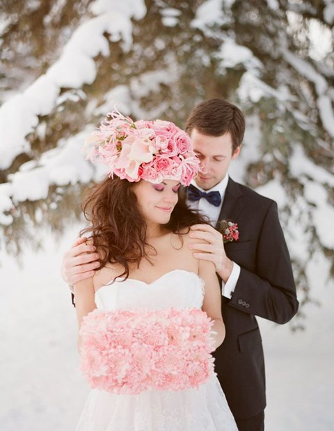 awesome-winter-wedding-gloves-and-mittens-to-die-for-24