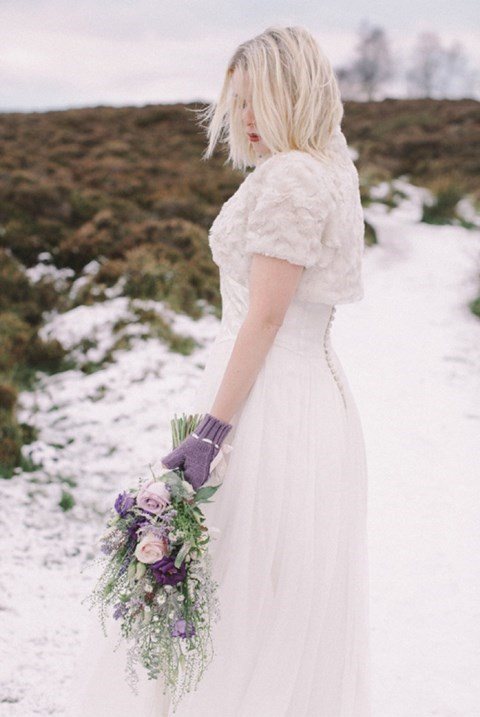 awesome-winter-wedding-gloves-and-mittens-to-die-for-31