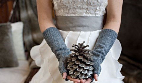 awesome-winter-wedding-gloves-and-mittens-to-die-for-32