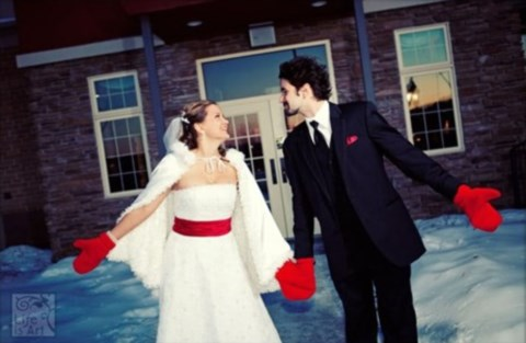 awesome-winter-wedding-gloves-and-mittens-to-die-for-34