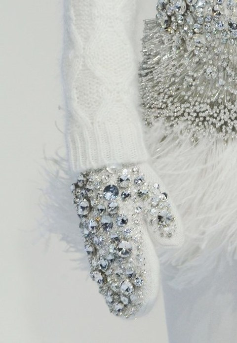 awesome-winter-wedding-gloves-and-mittens-to-die-for-36