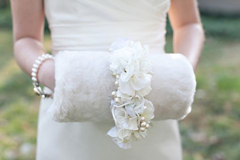 awesome-winter-wedding-gloves-and-mittens-to-die-for-40