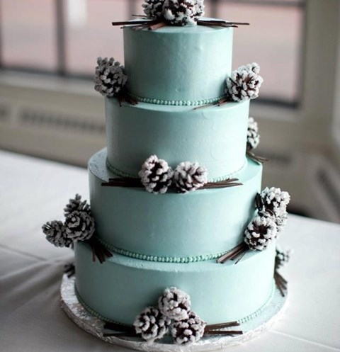 beautiful-icy-blue-winter-wedding-ideas-21