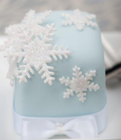 beautiful-icy-blue-winter-wedding-ideas-51