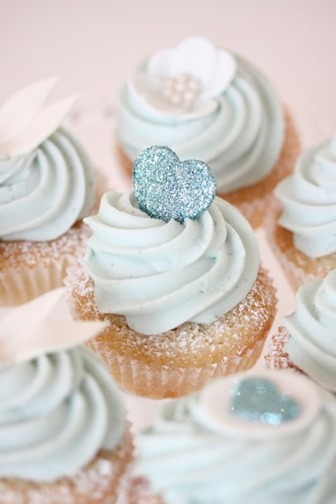beautiful-icy-blue-winter-wedding-ideas-7