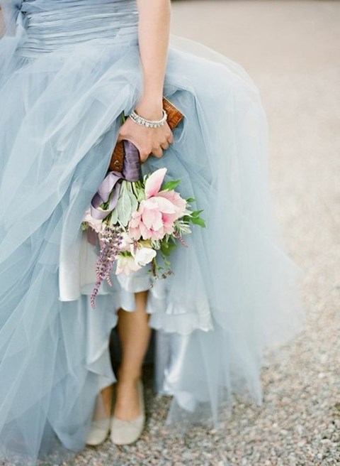 beautiful-icy-blue-winter-wedding-ideas-9