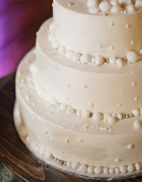 fabulous-winter-wedding-cakes-14