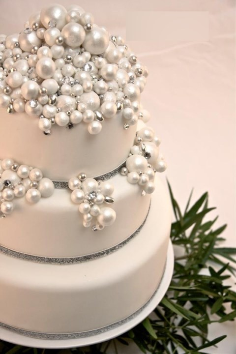 fabulous-winter-wedding-cakes-22
