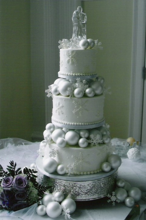fabulous-winter-wedding-cakes-30