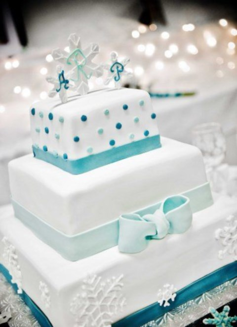 fabulous-winter-wedding-cakes-31
