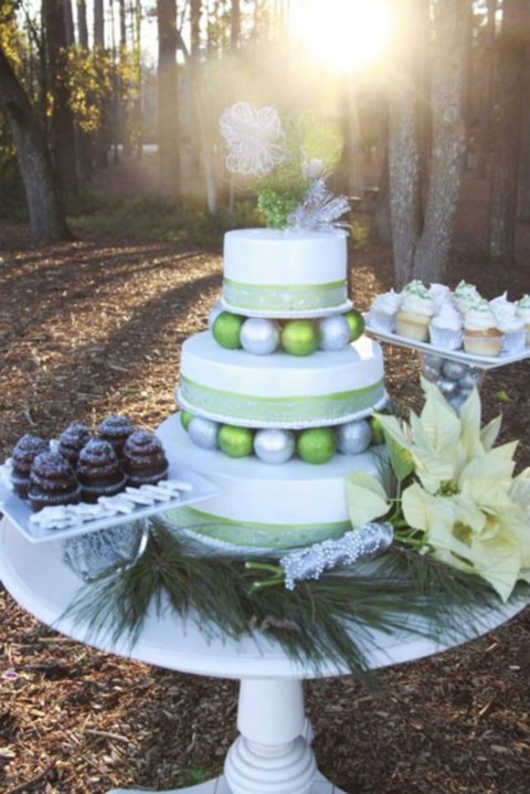 fabulous-winter-wedding-cakes-32