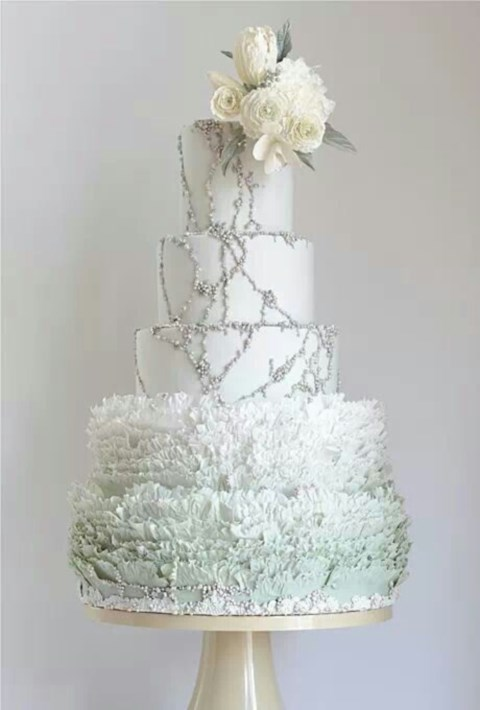 fabulous-winter-wedding-cakes-40