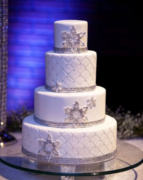 fabulous-winter-wedding-cakes-46