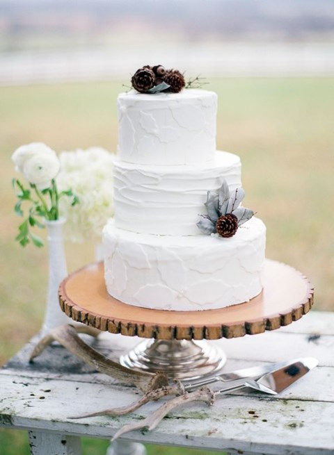 fabulous-winter-wedding-cakes-51