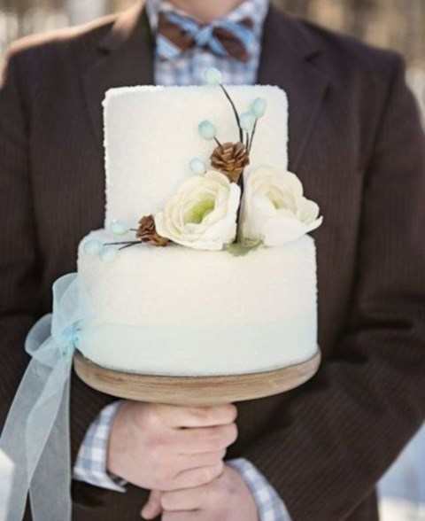 fabulous-winter-wedding-cakes-55