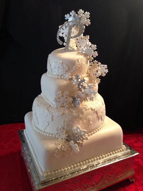 fabulous-winter-wedding-cakes-7