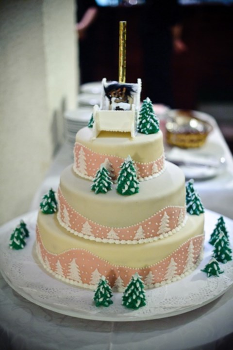 fabulous-winter-wedding-cakes-72
