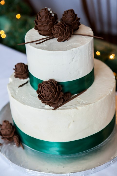 fabulous-winter-wedding-cakes-75
