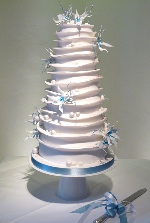 fabulous-winter-wedding-cakes-76
