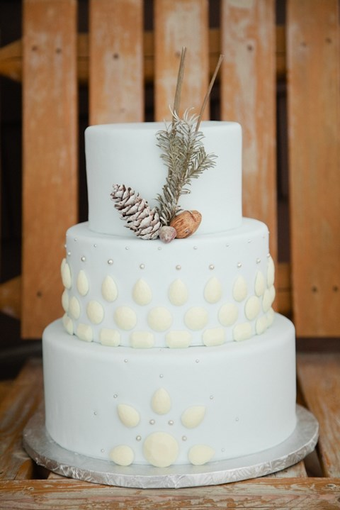 fabulous-winter-wedding-cakes-78