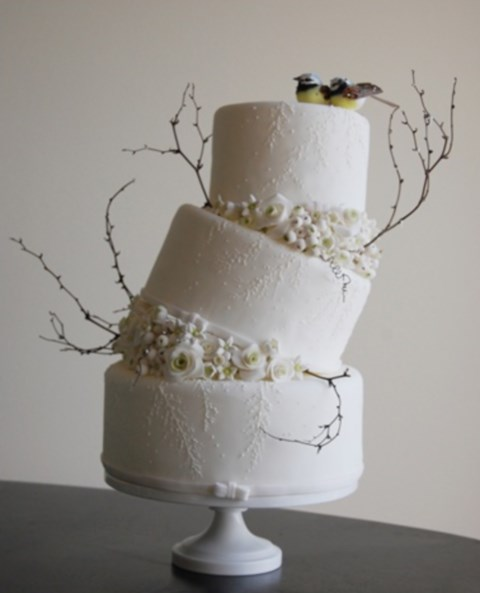 fabulous-winter-wedding-cakes-82