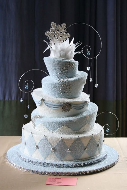 fabulous-winter-wedding-cakes-94