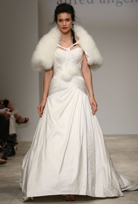 gorgeous-winter-wedding-dresses-54