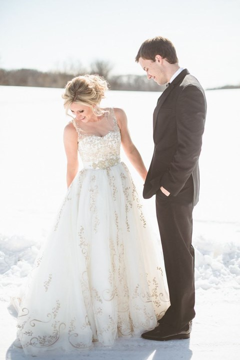 gorgeous-winter-wedding-dresses-96