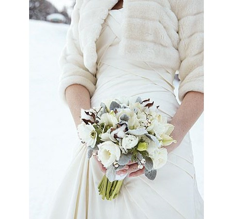 stylish-and-cozy-coats-and-wraps-for-winter-brides-13