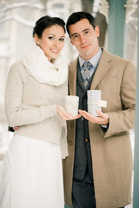 stylish-and-cozy-coats-and-wraps-for-winter-brides-17