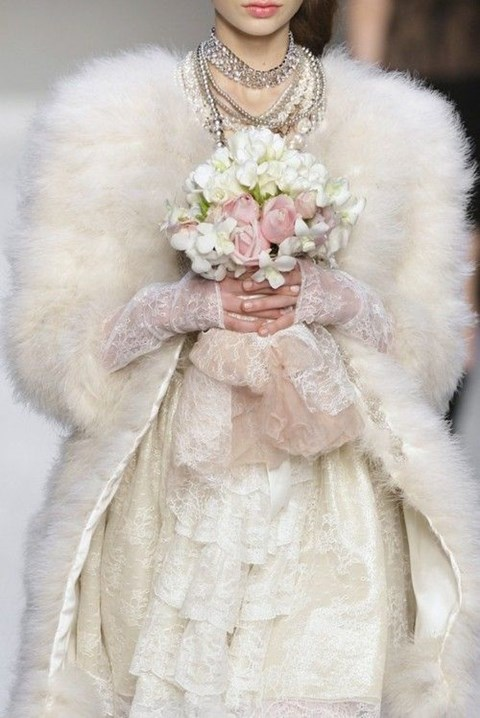 stylish-and-cozy-coats-and-wraps-for-winter-brides-19