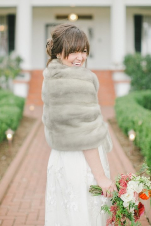 stylish-and-cozy-coats-and-wraps-for-winter-brides-33