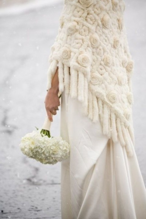 stylish-and-cozy-coats-and-wraps-for-winter-brides-37