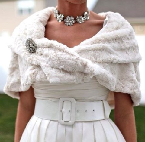 stylish-and-cozy-coats-and-wraps-for-winter-brides-41