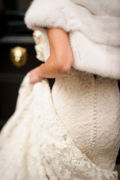stylish-and-cozy-coats-and-wraps-for-winter-brides-45
