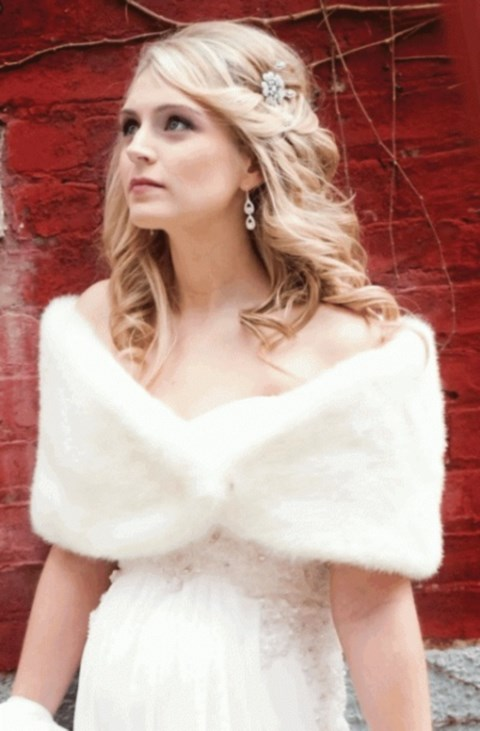 stylish-and-cozy-coats-and-wraps-for-winter-brides-49