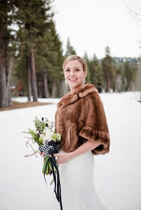 stylish-and-cozy-coats-and-wraps-for-winter-brides-50