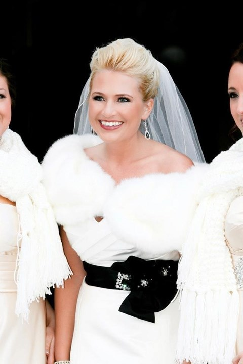 stylish-and-cozy-coats-and-wraps-for-winter-brides-54