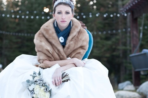 stylish-and-cozy-coats-and-wraps-for-winter-brides-58