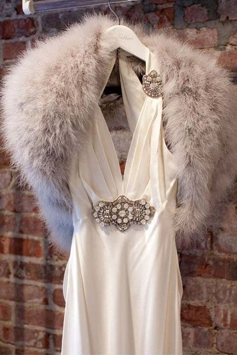 stylish-and-cozy-coats-and-wraps-for-winter-brides-6