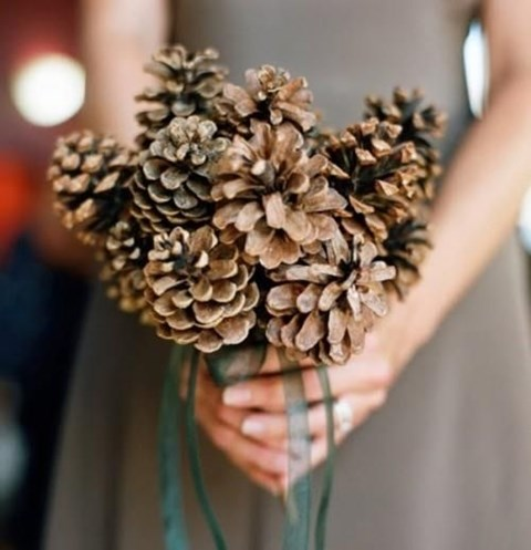 unique-and-beautiful-winter-wedding-bouquets-youll-love-10