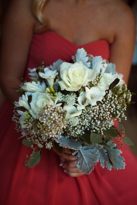 unique-and-beautiful-winter-wedding-bouquets-youll-love-109