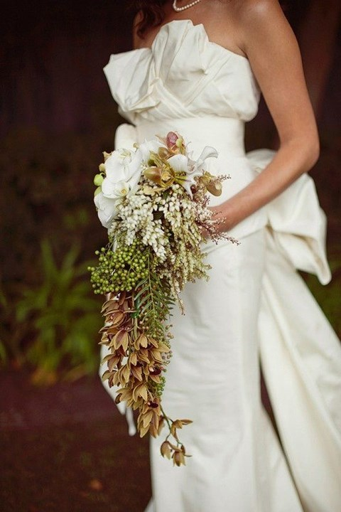 unique-and-beautiful-winter-wedding-bouquets-youll-love-110