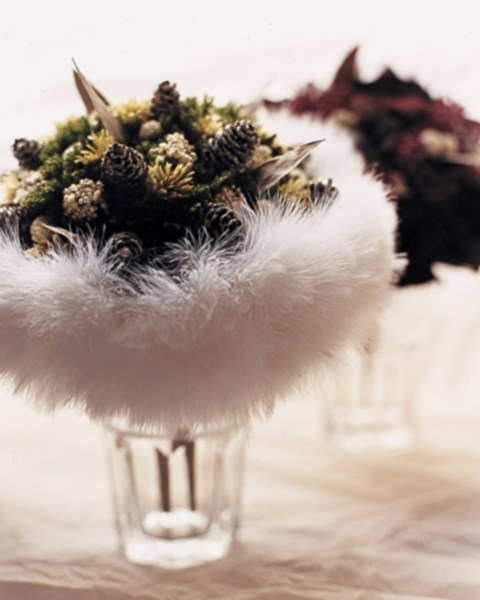 unique-and-beautiful-winter-wedding-bouquets-youll-love-15