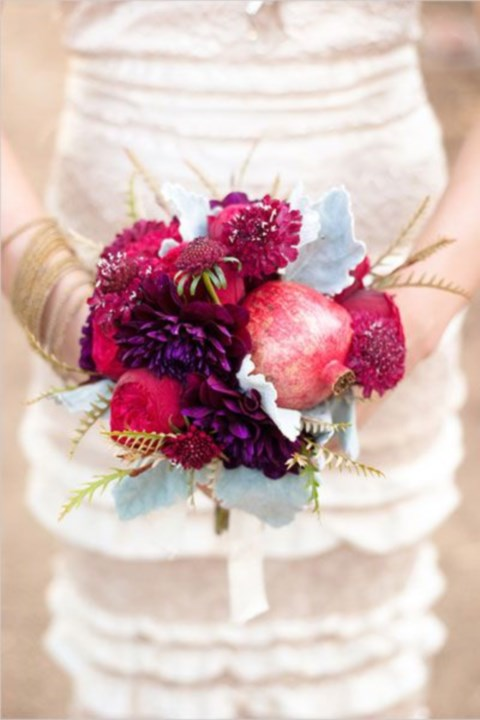 unique-and-beautiful-winter-wedding-bouquets-youll-love-5