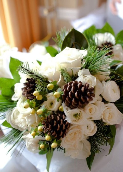 unique-and-beautiful-winter-wedding-bouquets-youll-love-78