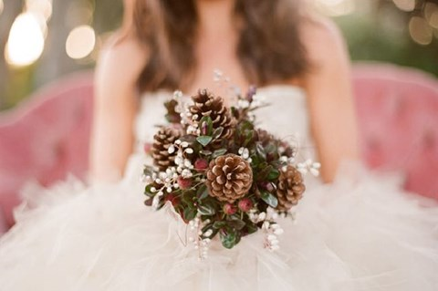 unique-and-beautiful-winter-wedding-bouquets-youll-love-91